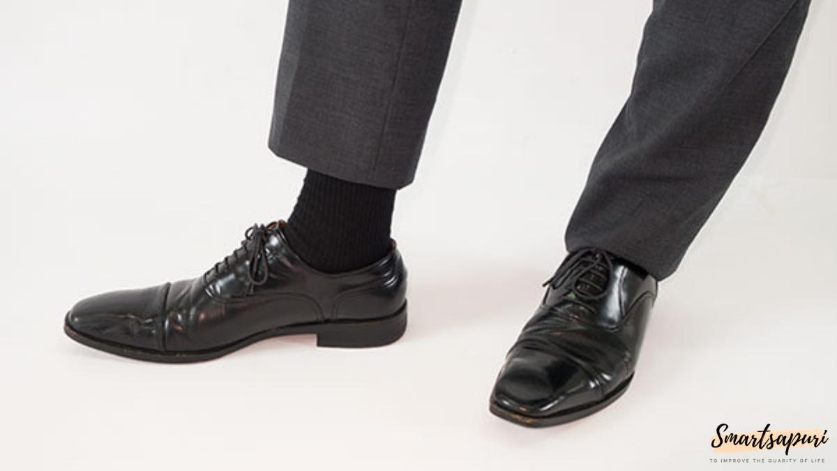 ビジネスマンのスーツを着こなすコツは靴下の色