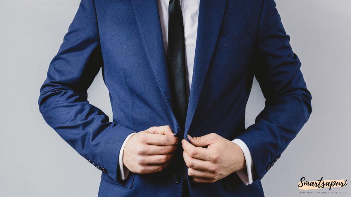 ビジネスマンのスーツを着こなすコツはボタン